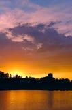 Puesta del sol en la hora de oro Imagen de archivo libre de regalías