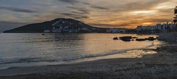Puesta del sol en la isla Imagenes de archivo