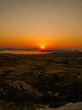 Puesta del sol en la isla de los Milos (Grecia) Fotografía de archivo libre de regalías