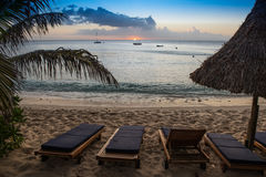 Puesta del sol en la isla de Waya, Fiji imagen de archivo