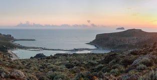 Puesta del sol en la laguna de Balos en Creta, Grecia fotos de archivo