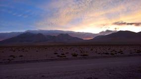 Puesta del sol en la meseta chilena - Antofagasta Foto de archivo libre de regalías