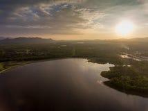 Puesta del sol en la opinión del río Fotografía de archivo