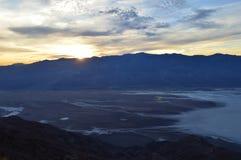 Puesta del sol en la opinión del ` s de Dante en Death Valley California Imágenes de archivo libres de regalías