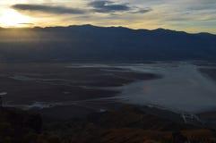 Puesta del sol en la opinión del ` s de Dante en Death Valley California Foto de archivo libre de regalías