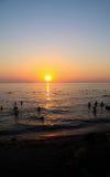 Puesta del sol en la playa Imágenes de archivo libres de regalías