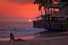 Puesta del sol en la playa, café Foto de archivo libre de regalías