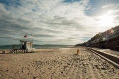 Puesta del sol en la playa de Bournemouth en el verano fotos de archivo libres de regalías