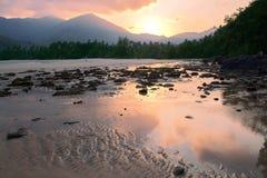 Puesta del sol en la playa de la isla de Tioman Imagen de archivo libre de regalías