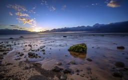 Puesta del sol en la playa de Kaanapali, Hawaii Foto de archivo libre de regalías
