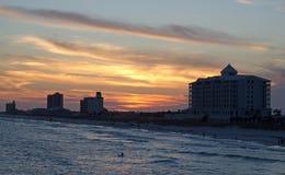 Puesta del sol en la playa de Pensacola Imagen de archivo libre de regalías