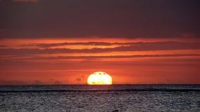 Puesta del sol en la playa de Punta Cana Imagen de archivo libre de regalías