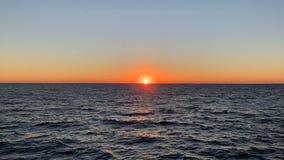 Puesta del sol en la playa de Santa Monica
