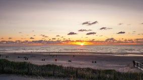 Puesta del sol en la playa de Zandvoort foto de archivo libre de regalías