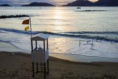 Puesta del sol en la playa del lerici en spezia del la Imagenes de archivo