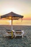 Puesta del sol en la playa en Torremolinos, España Fotos de archivo libres de regalías