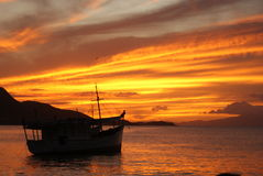 Puesta del sol en la playa venezolana Foto de archivo