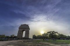 Puesta del sol en la puerta de la India fotos de archivo