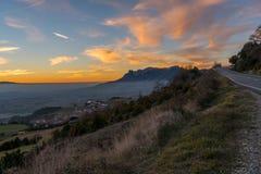 Puesta del sol en lado del país de España Foto de archivo