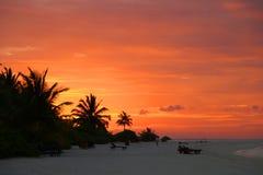 Puesta del sol en las islas de Maldivas Fotografía de archivo