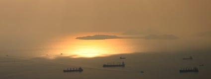 Puesta del sol en las islas próximas de Hong-Kong Fotos de archivo libres de regalías
