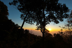 Puesta del sol en las montañas Fotografía de archivo