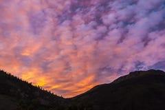 Puesta del sol en las montañas de Colorado Imágenes de archivo libres de regalías