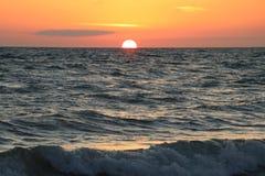 Puesta del sol en las playas en el paso la Florida de Juan fotos de archivo