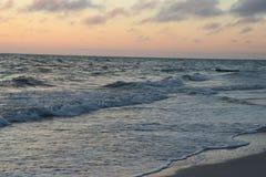 Puesta del sol en las playas en el paso la Florida de Juan imagen de archivo