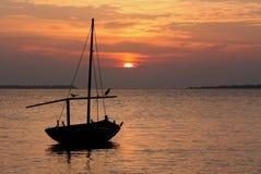 Puesta del sol en los Maldives Fotografía de archivo libre de regalías