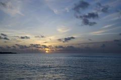 Puesta del sol en los Maldives Imagenes de archivo