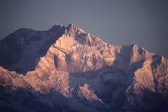 Puesta del sol en los picos glaciered Imagen de archivo libre de regalías