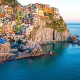 Puesta del sol en Manarola, Cinque Terre, Italia Foto de archivo libre de regalías