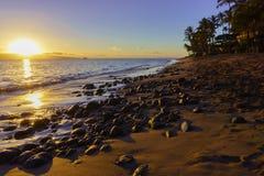 Puesta del sol en Maui Fotos de archivo libres de regalías