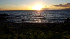 Puesta del sol en Maui Imagen de archivo libre de regalías