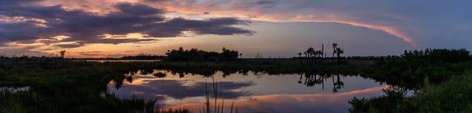 Puesta del sol en Merritt Island National Wildlife Refuge, la Florida Imagen de archivo