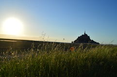 Puesta del sol en Mont-Santo-Miguel en Francia Fotos de archivo