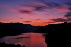 Puesta del sol en montaña Imagen de archivo libre de regalías