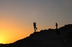 Puesta del sol en montañas Fotos de archivo