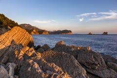 Puesta del sol en Montenegro en el mar Fotografía de archivo