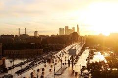 Puesta del sol en Moscú Imagen de archivo libre de regalías