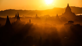 Puesta del sol en Myanmar Imágenes de archivo libres de regalías