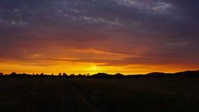 Puesta del sol en naturaleza Fotografía de archivo