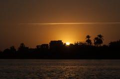 Puesta del sol en Nile River Fotos de archivo libres de regalías