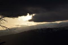 Puesta del sol en nubes Foto de archivo libre de regalías