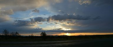 Puesta del sol en Oregon central cerca de Warm Springs Imágenes de archivo libres de regalías