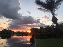 Puesta del sol en Palm Beach Fotos de archivo