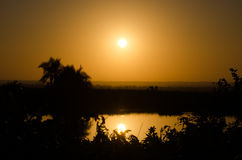 Puesta del sol en parque del kruger imagenes de archivo