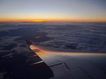 Puesta del sol en 33.000 pies Foto de archivo libre de regalías