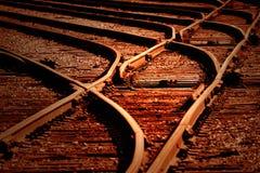 Puesta del sol en pistas de ferrocarril imagen de archivo libre de regalías
